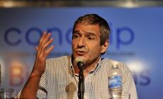 """Eduardo Anguita en la mesa temática """"Bibliotecas y Medios: Una Alianza Estratégica"""""""